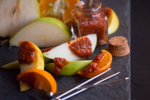 Smeared fruits with chilly pickle